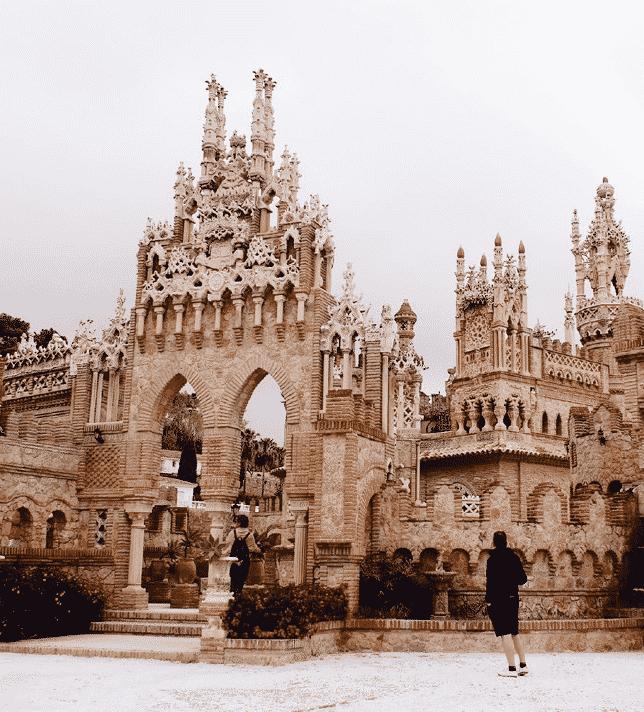 le Castillo Monumento Colomares (Andalousie)